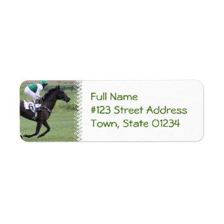 Etiquetas de correo galopantes del caballo de raza etiquetas de remite