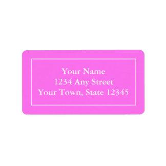 Etiquetas de correo rosadas y blancas con seña pre etiqueta de dirección