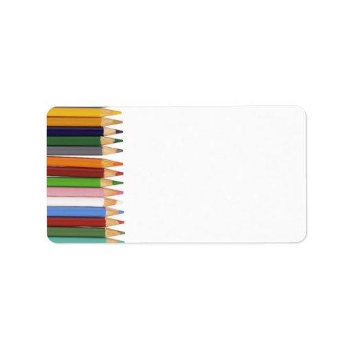Etiquetas de dirección coloreadas de los lápices