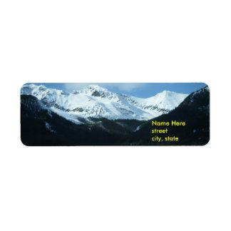 Etiquetas de dirección de la montaña de la nieve