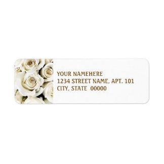 Etiquetas de dirección de los rosas blancos