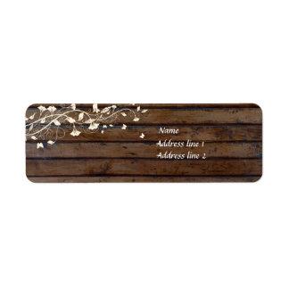 Etiquetas de dirección de madera oscuras de Brown