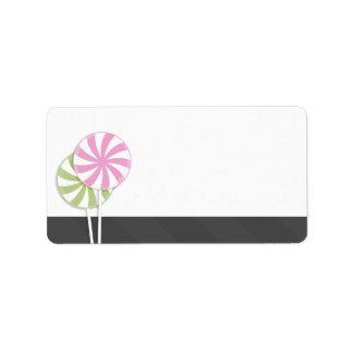 Etiquetas de dirección en blanco rosadas y verdes