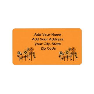 Etiquetas de dirección, margaritas anaranjadas en