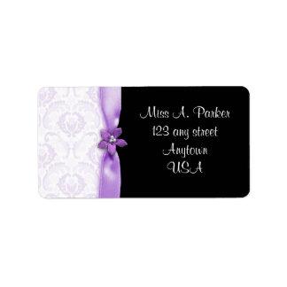 Etiquetas de dirección negras y púrpuras del boda
