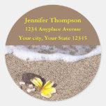 Etiquetas de dirección tropicales de la playa pegatinas redondas