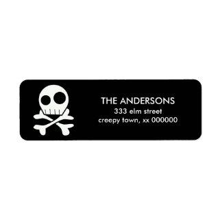 Etiquetas de Halloween del cráneo y de los huesos Etiqueta De Remite