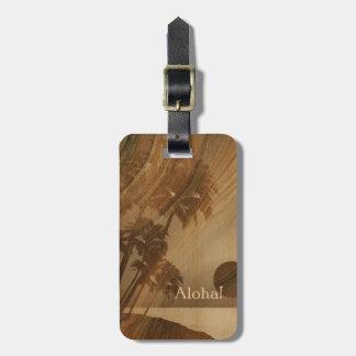 Etiquetas de madera hawaianas del equipaje de Koa