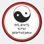 Etiquetas del favor de la fiesta de cumpleaños del etiqueta redonda
