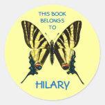 Etiquetas del libro de la mariposa pegatina redonda