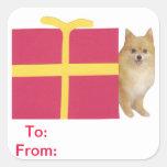 Etiquetas del regalo de Pomeranian a y desde el pe Calcomanías Cuadradas