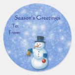 Etiquetas del regalo del muñeco de nieve del pegatina redonda