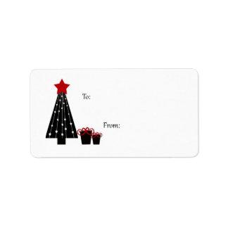 Etiquetas negras y rojas del regalo del árbol y de etiqueta de dirección