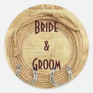 Etiquetas occidentales del boda de la botella de pegatina redonda