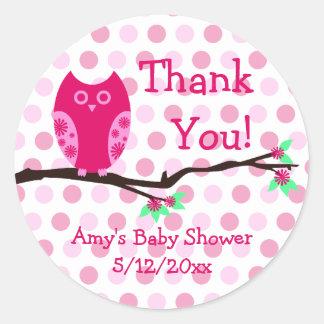 Etiquetas personalizadas búho rosado del favor de etiquetas redondas