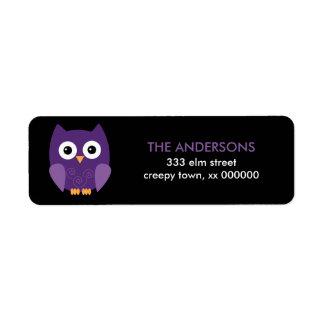 Etiquetas púrpuras de Halloween del búho de Hallow Etiquetas De Remite