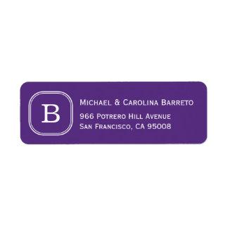 Etiquetas púrpuras del monograma etiqueta de remite