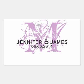 Etiquetas púrpuras del vino del boda del monograma pegatina rectangular