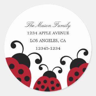 Etiquetas rojas del remite de la mariquita pegatina redonda