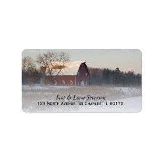 Etiquetas rojas nevadas del remite del granero etiqueta de dirección