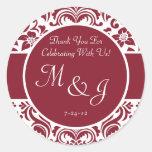 Etiquetas rojas y blancas del favor del boda del pegatinas redondas