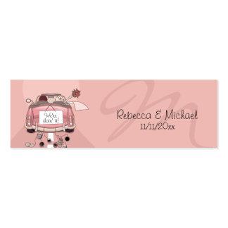 Etiquetas rosadas del favor del boda del coche de tarjeta de visita