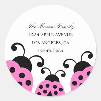 Etiquetas rosadas del remite de la mariquita pegatina redonda