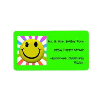 Etiquetas sonrientes felices brillantes de la cara etiqueta de dirección