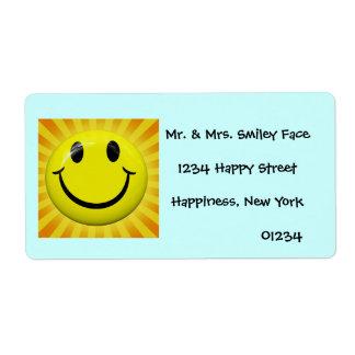 Etiquetas sonrientes soleadas de la cara etiqueta de envío