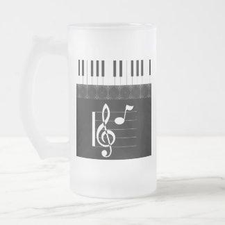 Etude del piano en negro taza de cristal