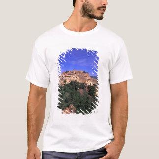 EU, France, Provence, Vaucluse, Rousillon. T-Shirt
