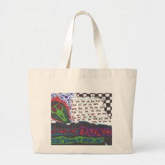"""""""Eu te amo"""" says the alien Tote Bags"""