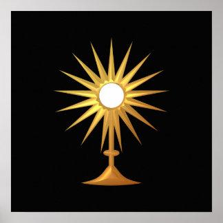 Eucaristía santa en Monstrance de oro Póster