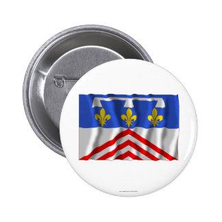 Eure-et-Loir que agita la bandera Pin Redondo De 2 Pulgadas