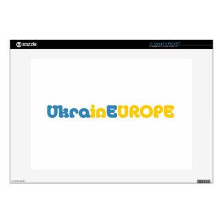 Euromaidan ruega para la libertad de Ucrania Portátil 38,1cm Skins