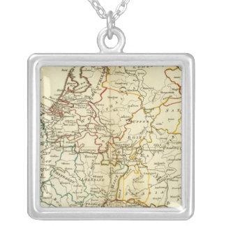 Europa 10 collar plateado