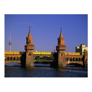 Europa, Alemania, Berlín. Kreuzberg, Oberbaum Tarjeta Postal