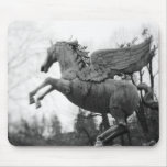 Europa, Austria, Salzburg. Estatua coa alas del ca Alfombrillas De Raton