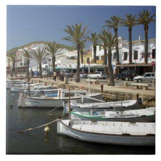 Europa, España, Minorca (aka Menorca). Pesca Azulejo Cuadrado Grande