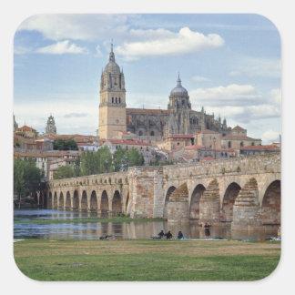 Europa, España, Salamanca. El puente romano encima Pegatina Cuadrada
