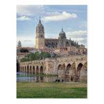 Europa, España, Salamanca. El puente romano encima Tarjeta Postal