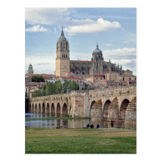 Europa, España, Salamanca. El puente romano encima Tarjetas Postales