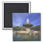 Europa, Francia, Aix-en-Provence. Fontaine de Imán Cuadrado