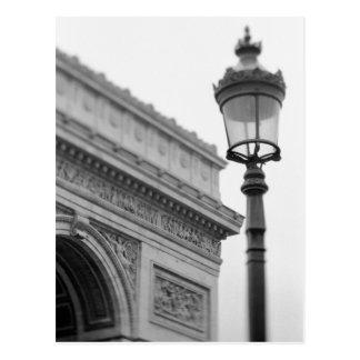 Europa, Francia, París. Arco del Triunfo y Tarjetas Postales