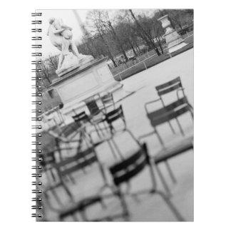 Europa, Francia, París. Sillas, Jardin du Note Book