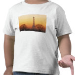 Europa, Francia, París. Torre Eiffel (medio Camisetas