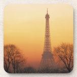 Europa, Francia, París. Torre Eiffel (medio Posavaso