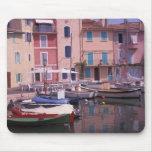 Europa, Francia, Provence, Martigues. Espejo de Mousepad