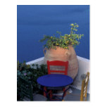 Europa, Grecia, Santorini. Terraza con la opinión Postal