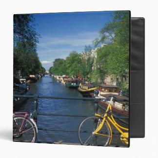 "Europa, Holanda, Amsterdam, bicicleta amarilla y Carpeta 1 1/2"""